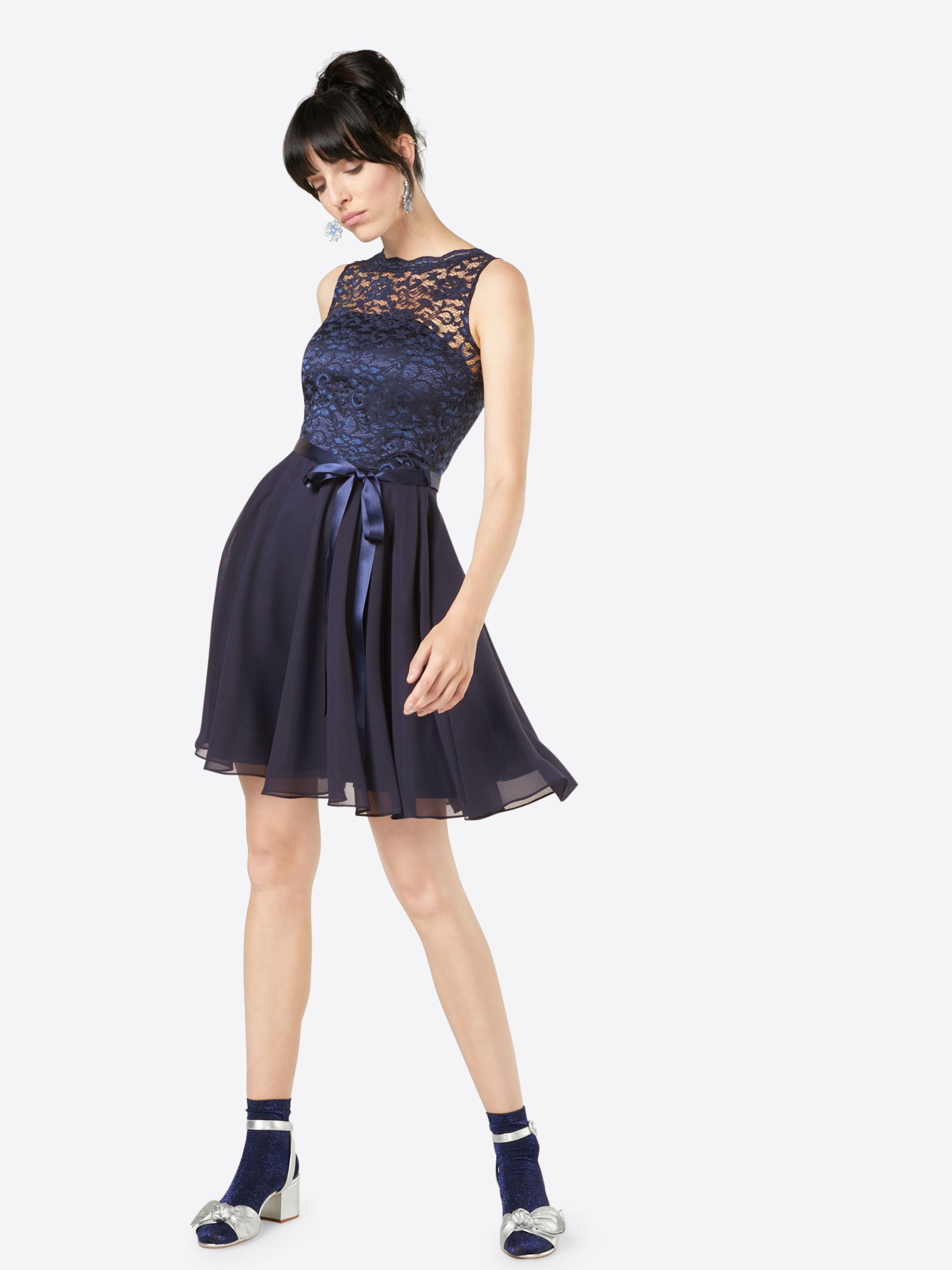 Cocktail Noir De En Robe Swing pzVqMSUG