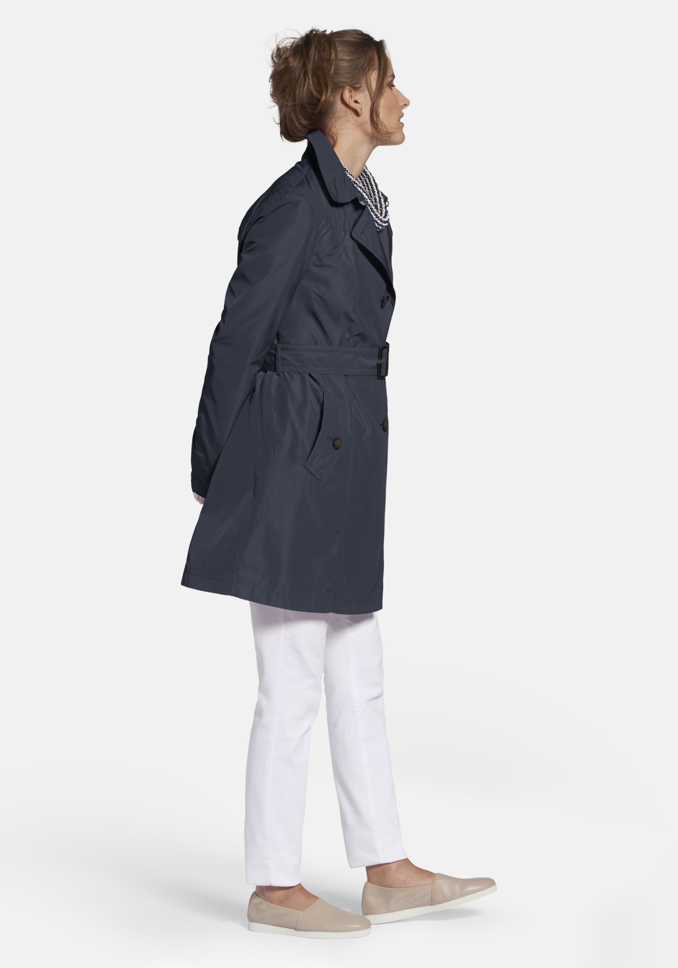Marine Basler In 'authentischer Trenchcoat Every day' 8kNwnO0PX
