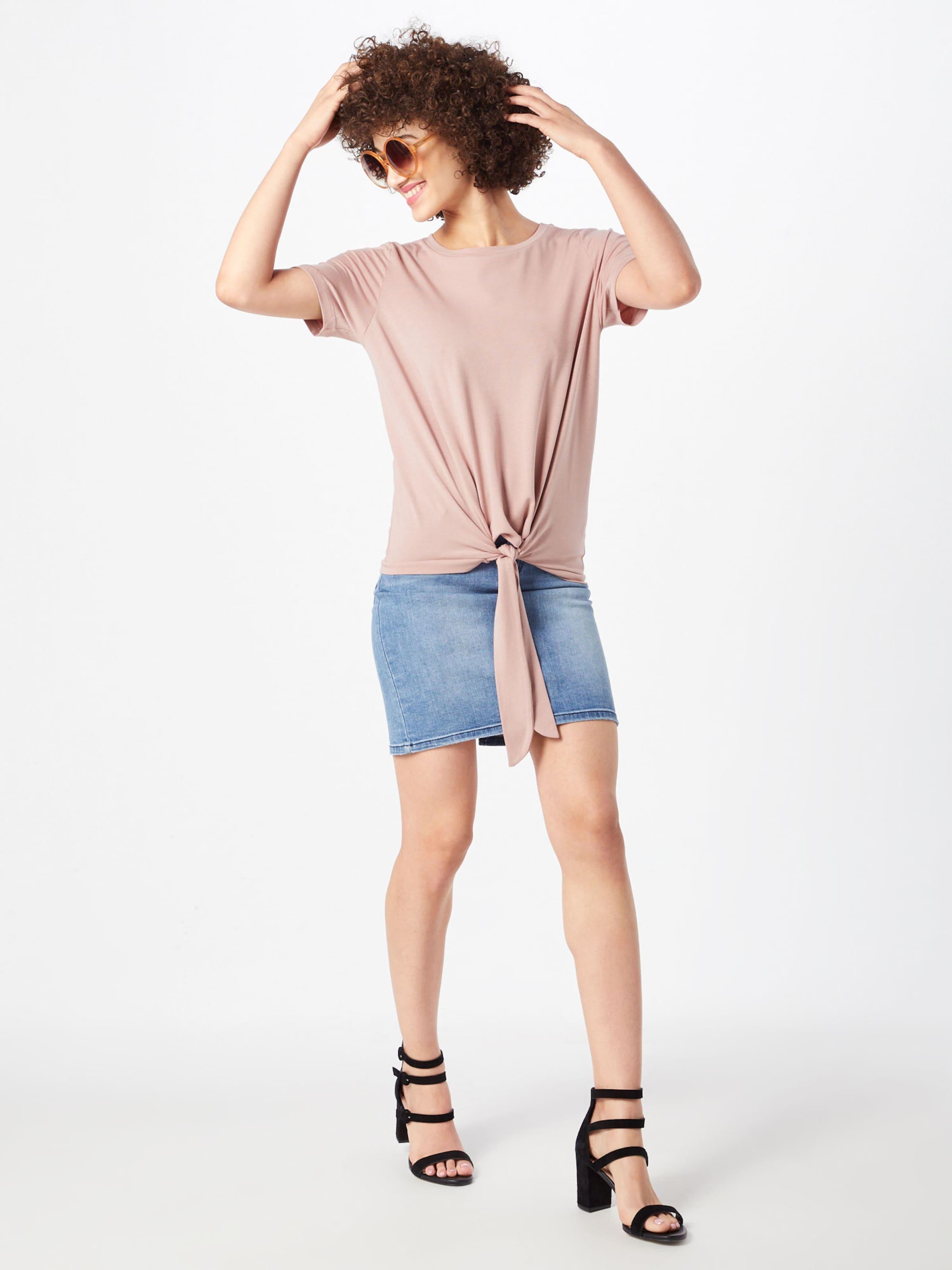 'stephanie' Clair Object En Rouge T shirt tChrdsQ