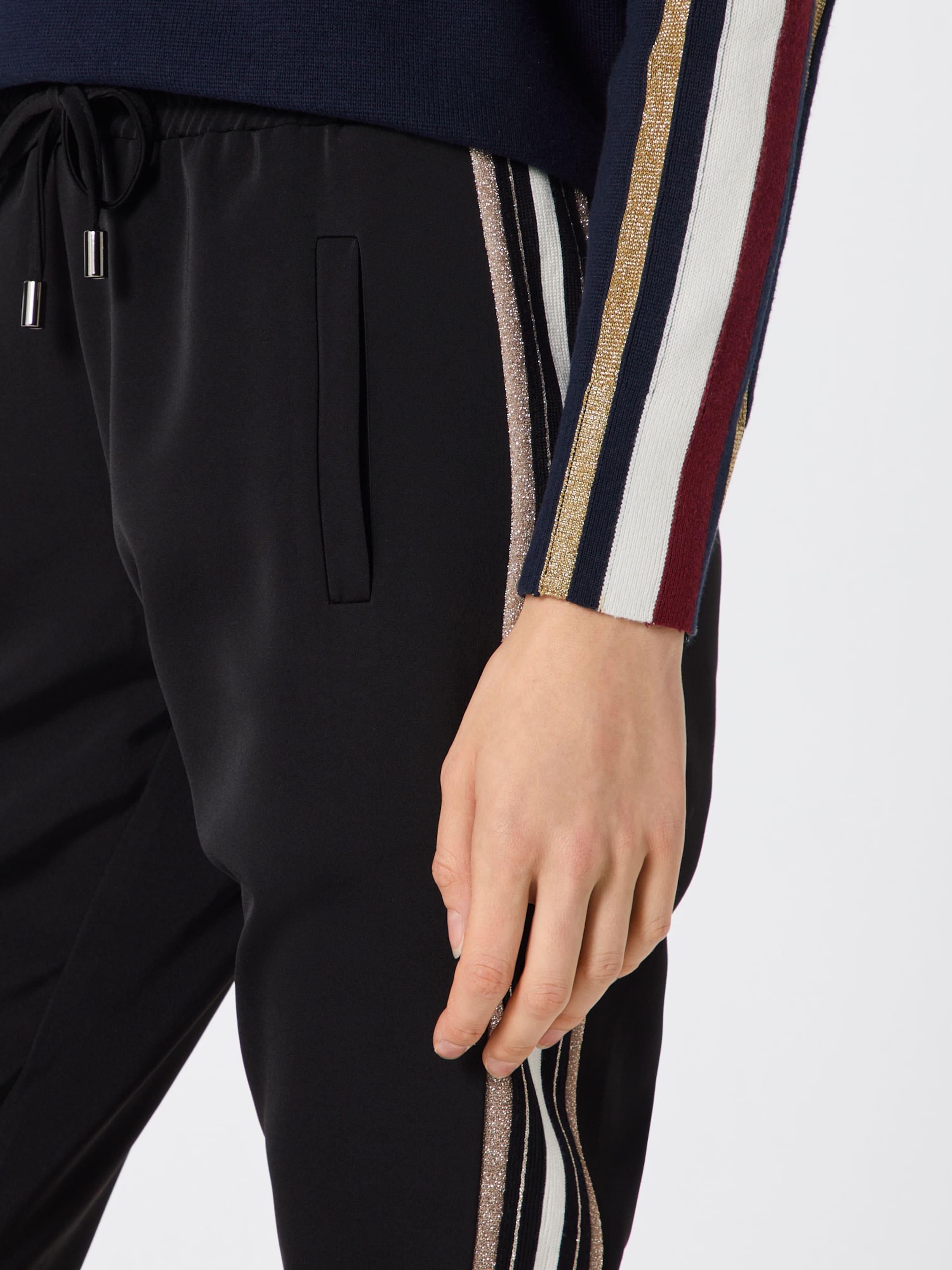 'durite' En Pantalon Noir Pantalon Noir Culture Pantalon En 'durite' Culture Culture 1TKJlFc