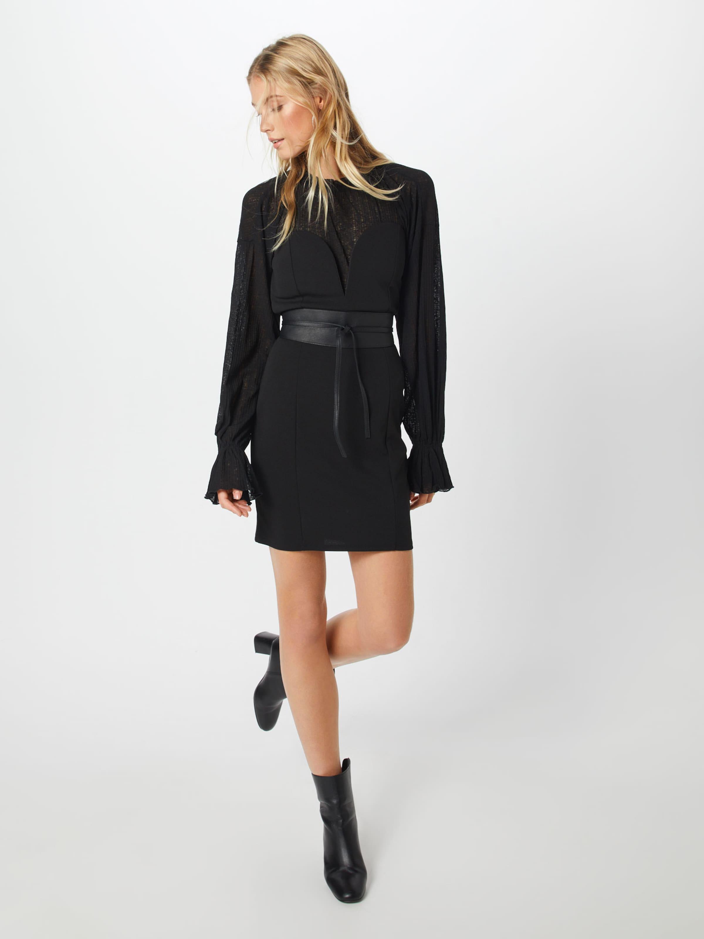 In Kleid In Boohoo In Kleid 'strapless' Boohoo Schwarz Boohoo Kleid 'strapless' Schwarz 'strapless' vm0wN8n