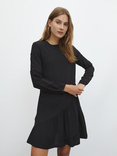 EDITED Kleid 'Dilara' in schwarz, Modelansicht