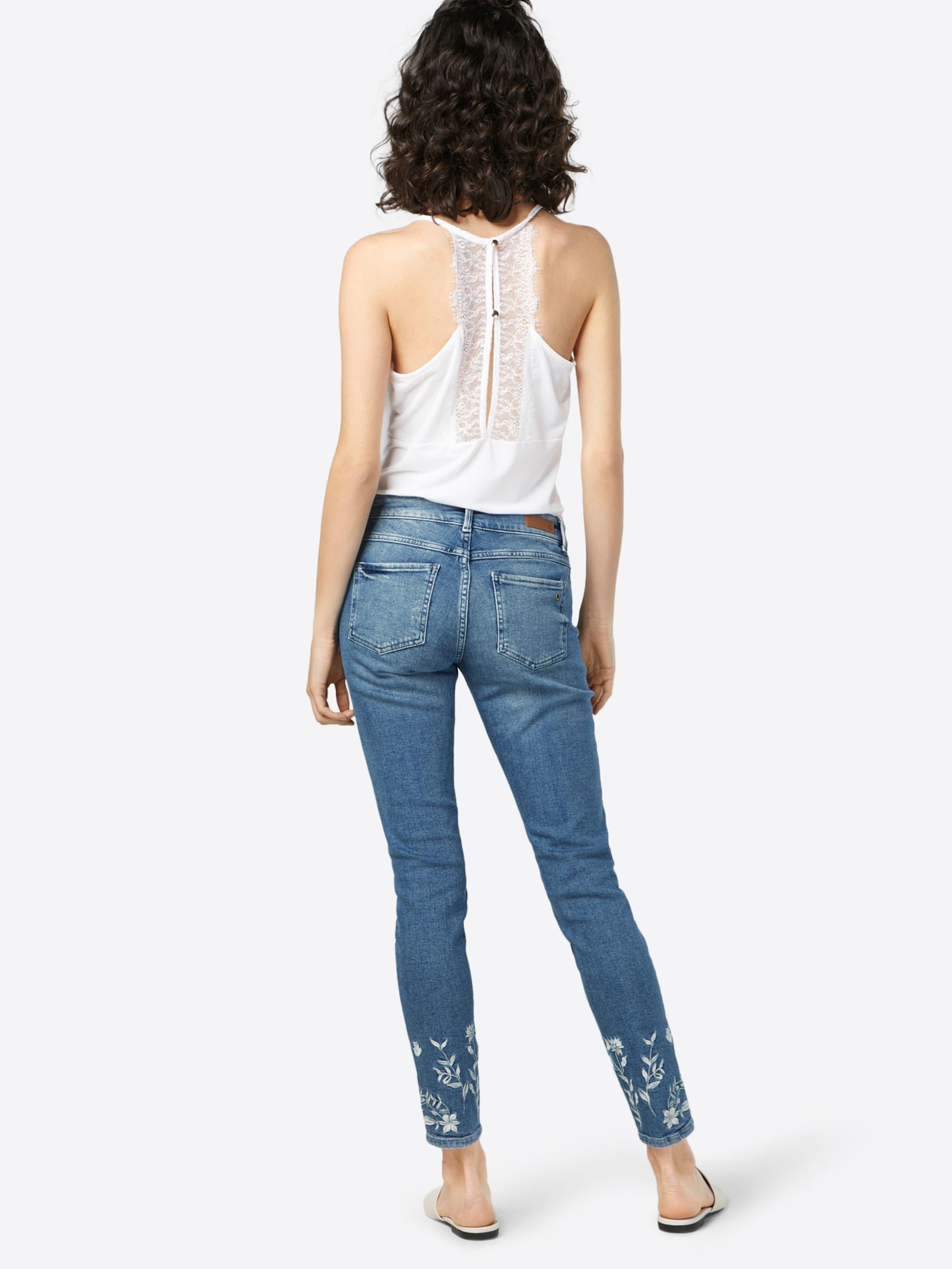 s.Oliver RED LABEL Jeans 'SHAPE SUPERSKINNY' Wie Viel Günstig Online Outlet-Preisen Steckdose Neu Top-Qualität Zum Verkauf Am Besten Zu Verkaufen WdkWsTk