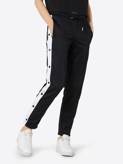 Urban Classics Pantalon en noir / blanc, Vue avec modèle