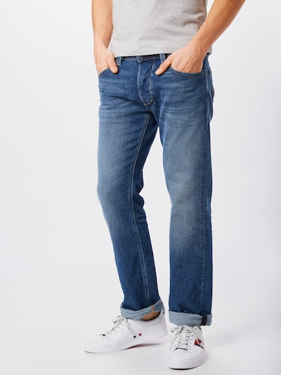 DIESEL Jeans 'Larkee' in blue denim, Modelansicht