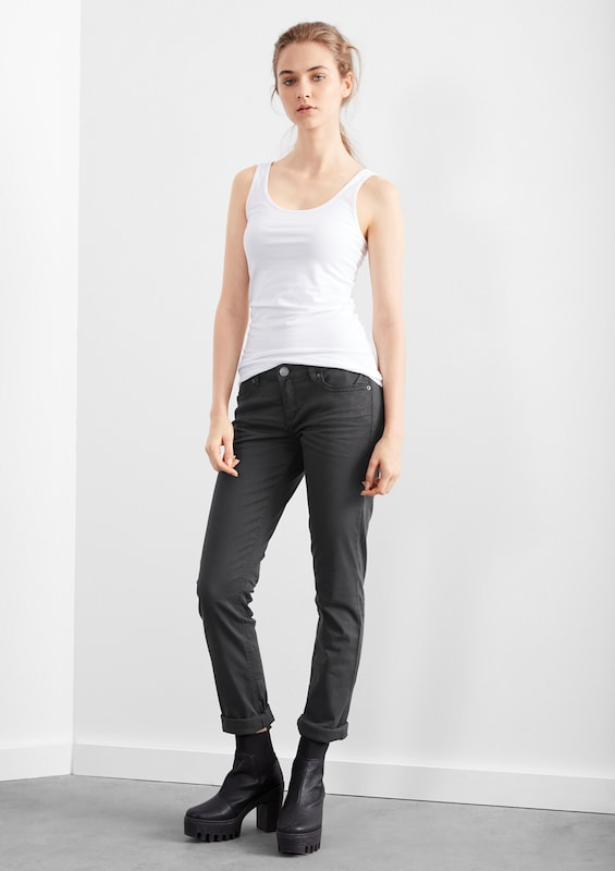 Q/S designed by Slim: Colored Denim mit Stretch