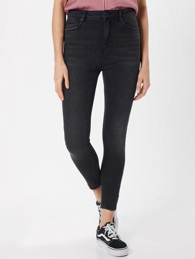 ONLY Jeansy 'Mila' w kolorze czarny denimm, Podgląd na modelu(-ce)