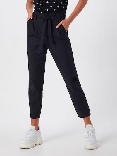 VILA Pantalon à pince 'VISOFINA' en noir, Vue avec modèle