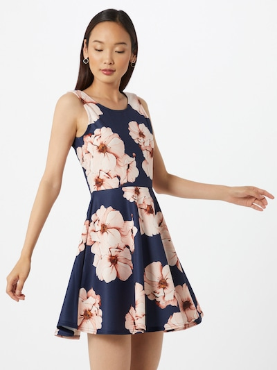 SISTERS POINT Letní šaty 'Geta' - krémová / tmavě modrá / růžová, Model/ka