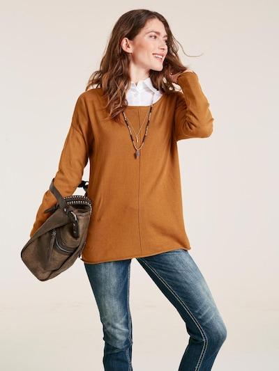 heine Rundhalspullover in camel, Modelansicht