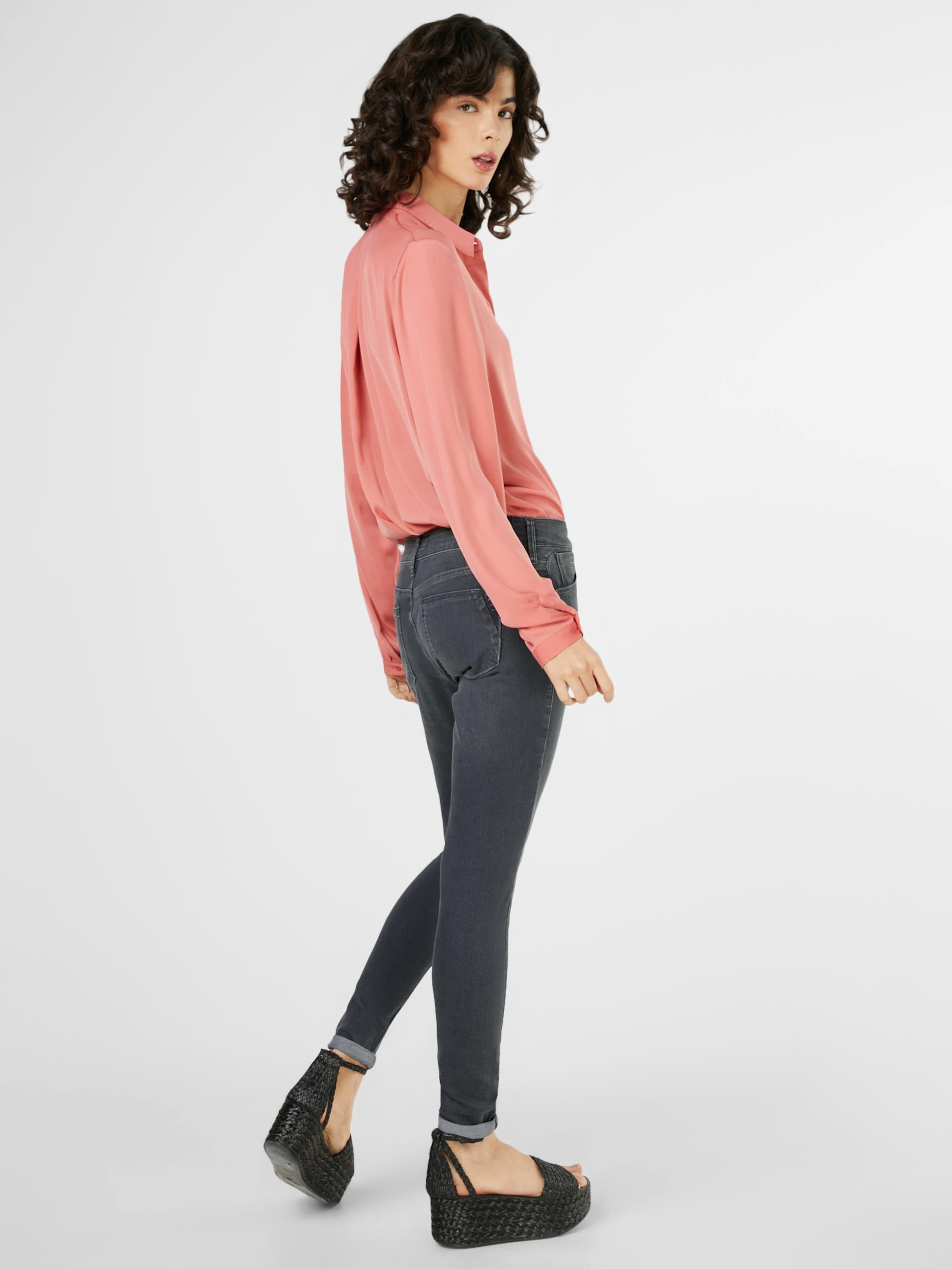Aussicht Mavi Washed-Jeans 'LEXY' Billig Zu Verkaufen Freies Verschiffen Wahl Perfekte Online Freies Verschiffen Neuestes 0dXdxBupFU