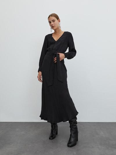EDITED Haljina 'Alencia' u crna, Prikaz modela