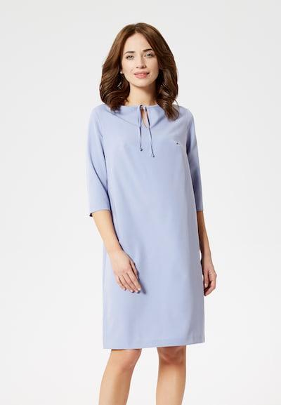 Usha Kleid in lavendel, Modelansicht