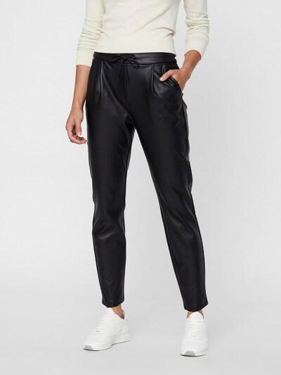 VERO MODA Broek in de kleur Zwart, Modelweergave