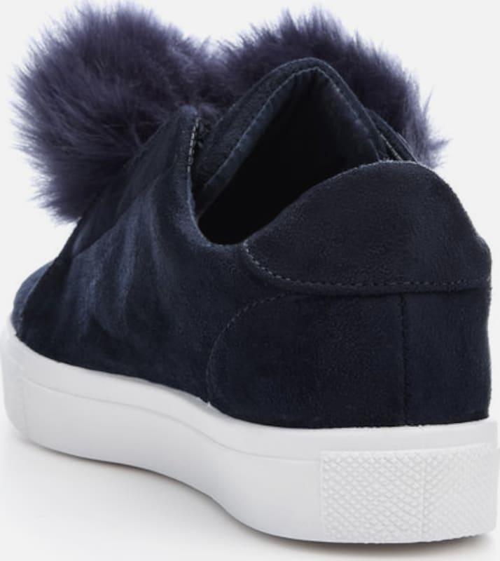 White Pompon-sneaker
