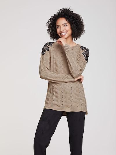 heine Pullover in sand / schwarz, Modelansicht