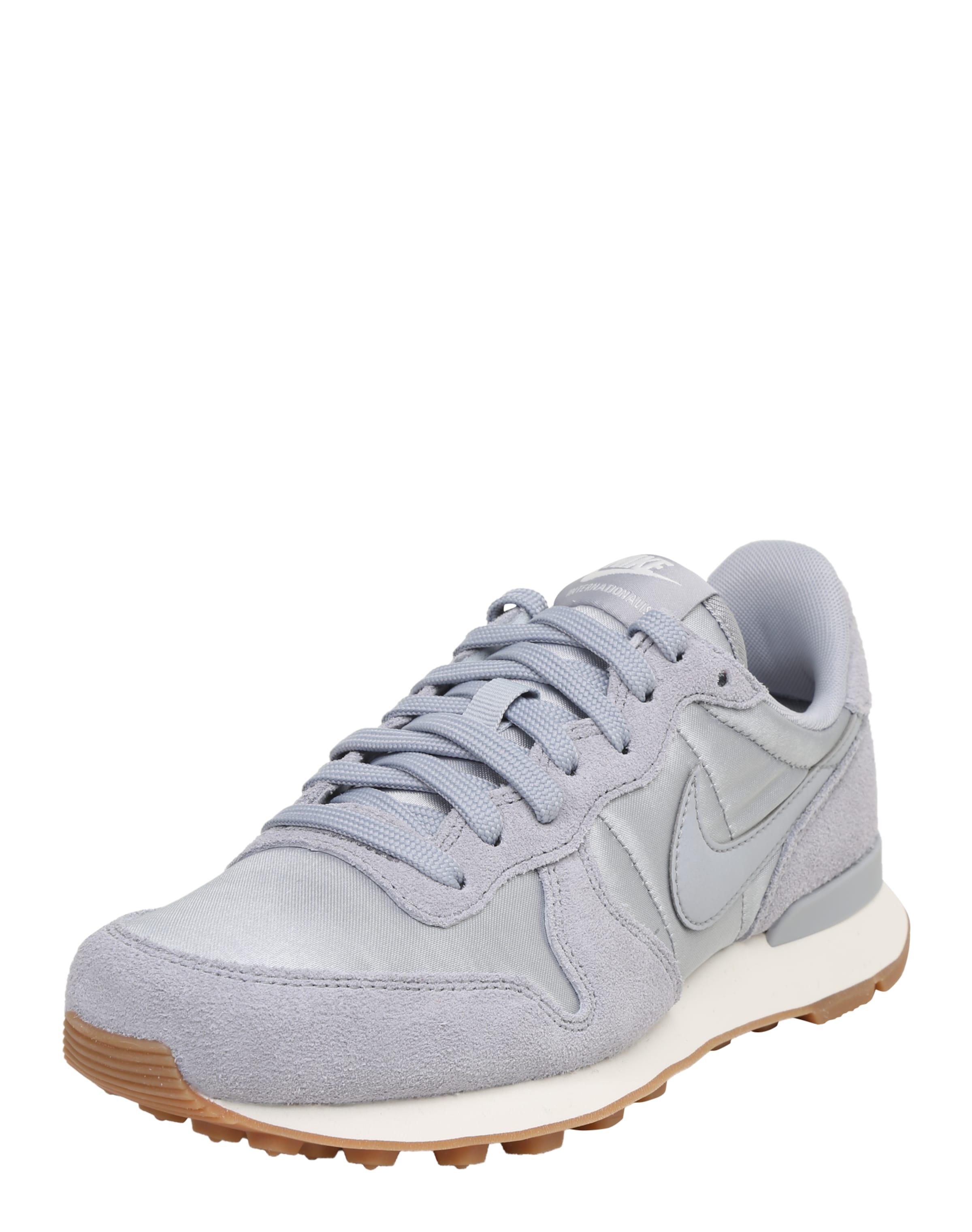 Nike Chaussures De Sport Gris Faible « Internationaliste » ha3wk3