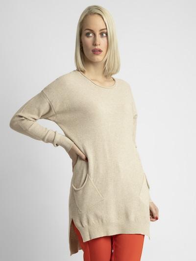 APART Strickpullover in langer Form in beige, Modelansicht