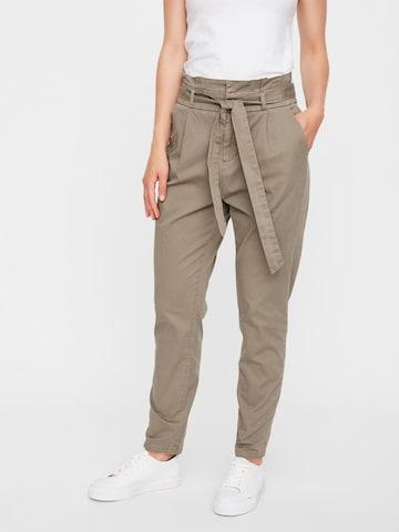 VERO MODA Plissert bukse 'Eva' i brun