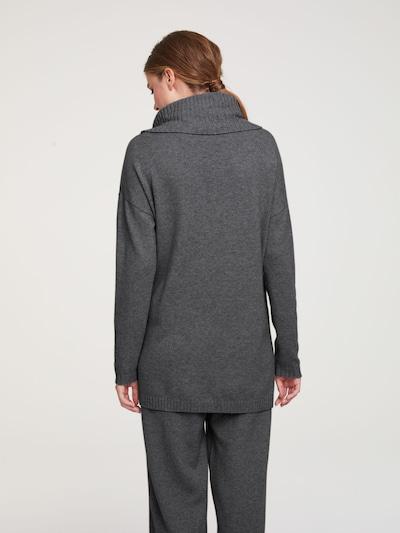 heine Pulover | pegasto siva barva: Pogled od zadnje strani