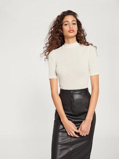 EDITED T-shirt 'Jamia' en blanc cassé, Vue avec modèle
