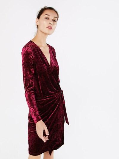mbym Samtkleid 'Penrose Dress' in weinrot, Modelansicht