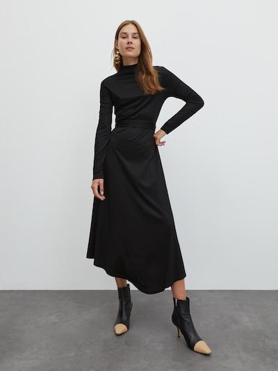 EDITED Šaty 'Laren' - čierna, Model/-ka