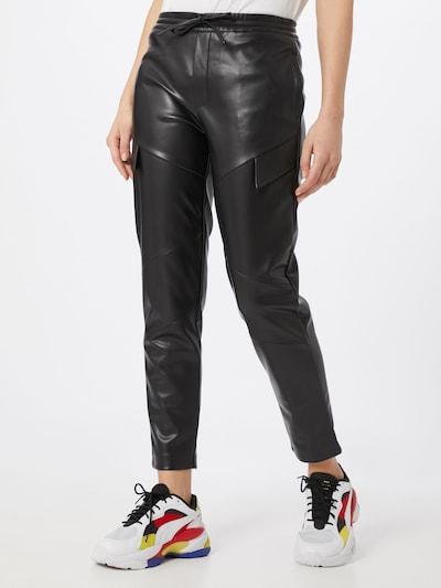 Worst Behavior Kalhoty - černá, Model/ka