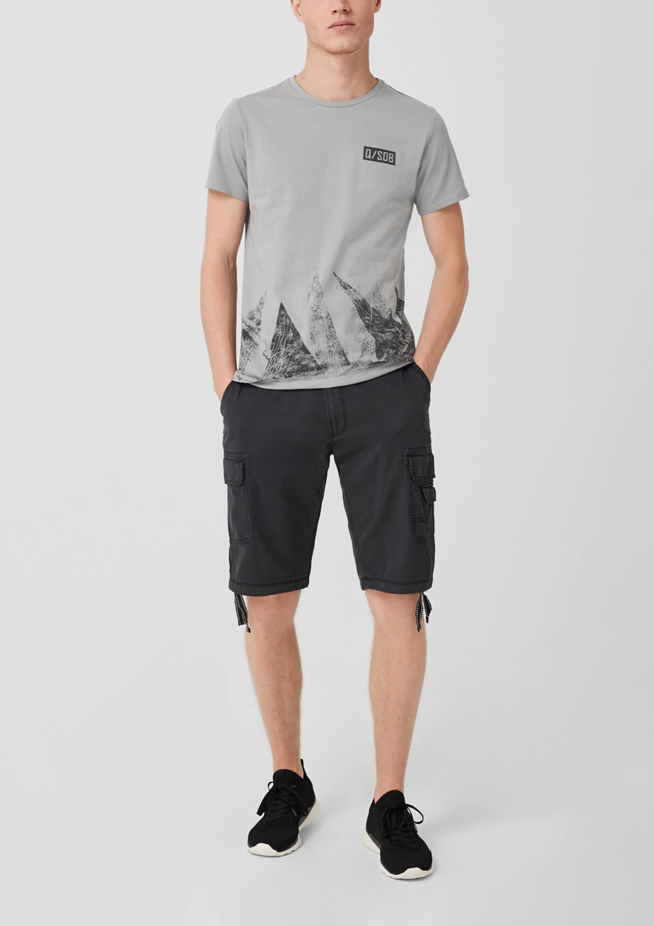 Q Mit Designed T By shirt In Grau Frontprint s vNw08mn