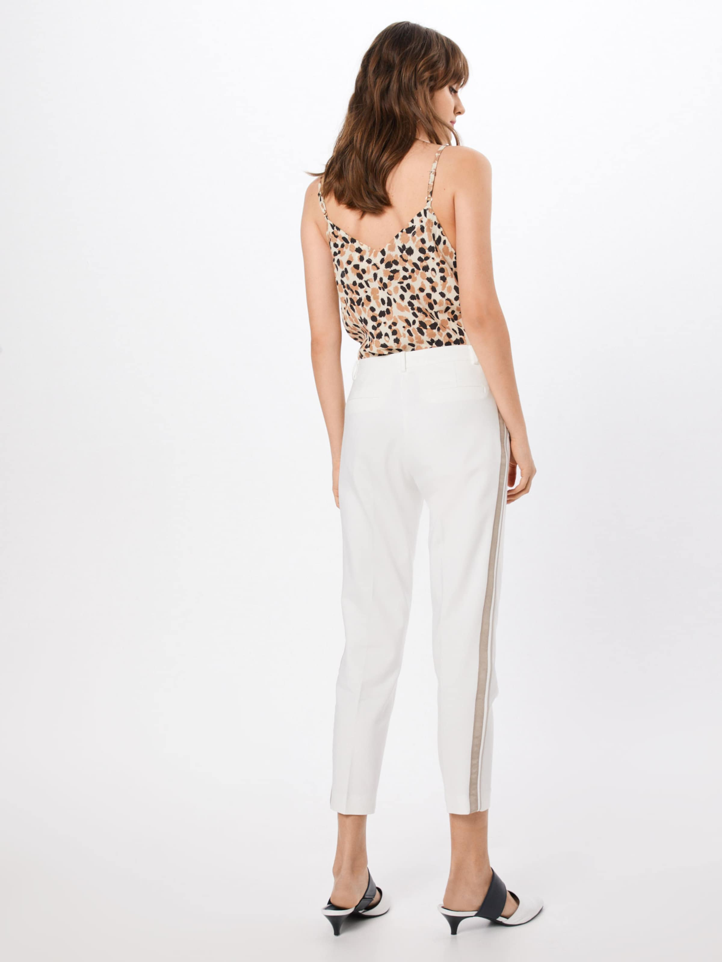 Galloon' 'hedy Hose Moreamp; Contrast In Offwhite WE9ID2HY