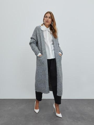 Manteau en tricot 'Caesar' EDITED en gris