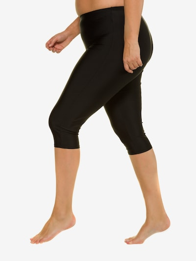 Ulla Popken Shorts de bain en noir, Vue avec modèle