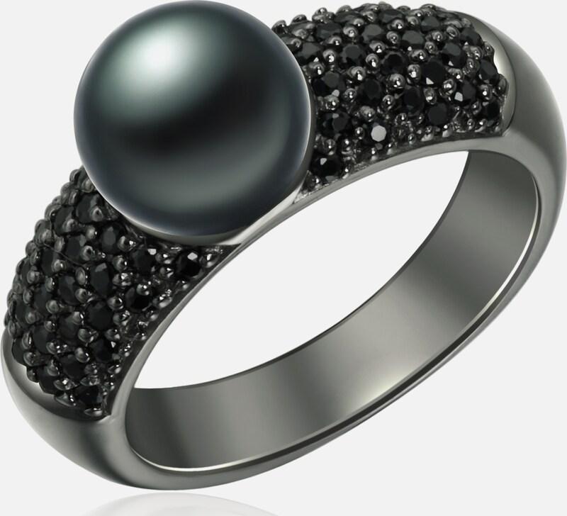 Valero Pearls Ring