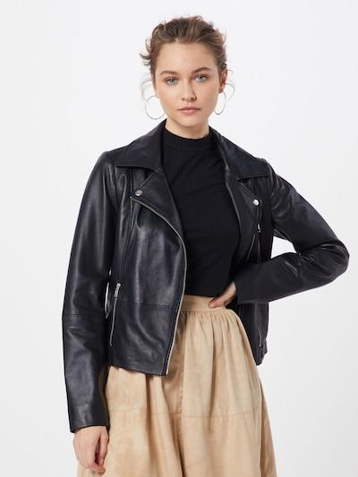 ONLY Tussenjas 'LENA' in de kleur Zwart, Modelweergave