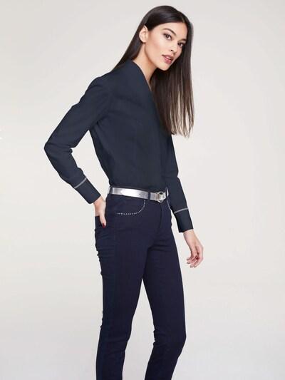 heine Bluse in marine, Modelansicht
