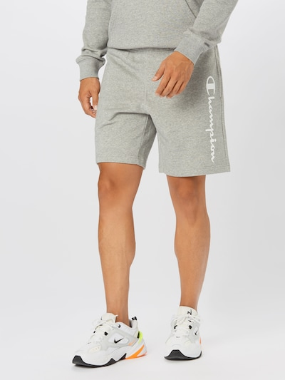 Champion Authentic Athletic Apparel Shorts in grau / weiß, Modelansicht