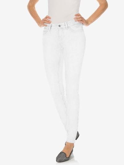 MAC Jeans in de kleur Wit, Modelweergave