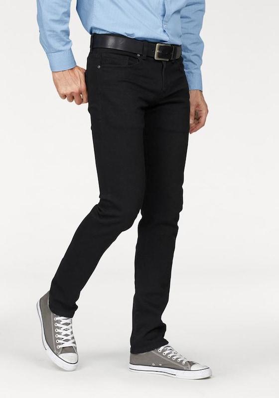 s.Oliver RED LABEL Close Slim: Schwarze Jeans