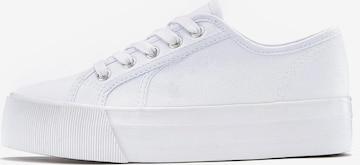 Sneaker low de la LASCANA pe alb