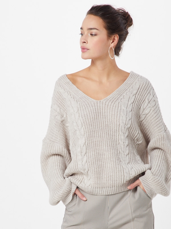 ABOUT YOU Pullover 'Svea' in beige, Modelansicht
