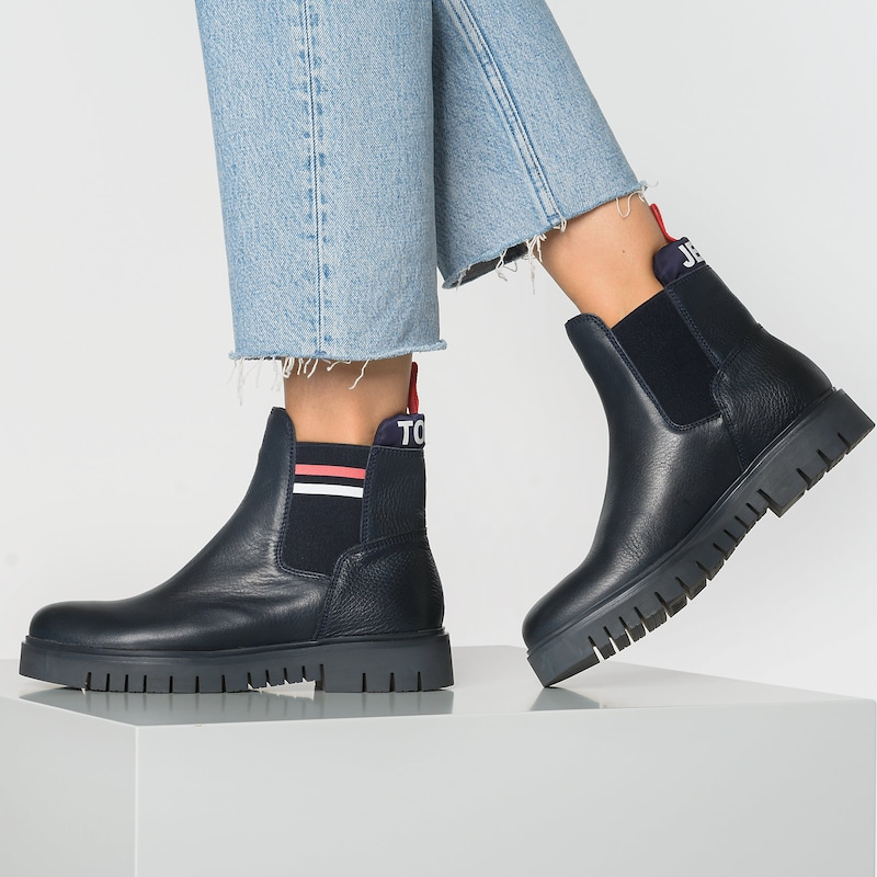 Tommy Jeans Chelsea Boots in dunkelblau / rot / weiß: Frontalansicht