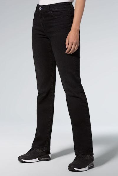 Soccx Comfort Shape Jeans mit geradem Bein in schwarz, Modelansicht