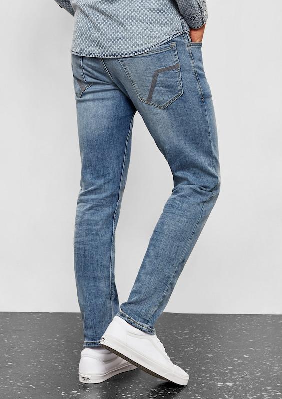 Q/S designed by Pete Straight: Jeans mit Wascheffekten