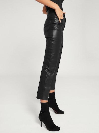 EDITED Broek 'Maresa' in de kleur Zwart, Modelweergave