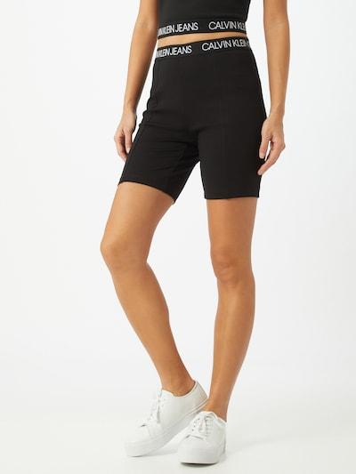 Calvin Klein Jeans Shorts 'MILANO' in schwarz / weiß, Modelansicht