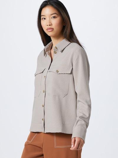 minimum Bluzka 'Metesa' w kolorze musztardowy / białym, Podgląd na modelu(-ce)