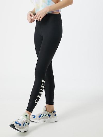 LEVI'S Leggings 'Logo W' en noir, Vue avec modèle