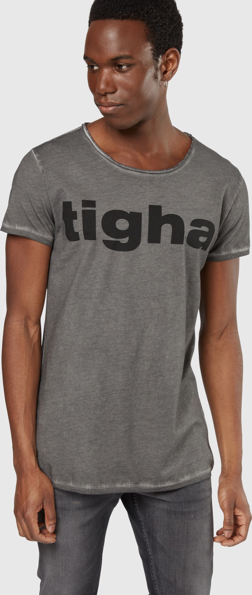 tigha t shirt 39 tigha logo msn 39 in grau about you. Black Bedroom Furniture Sets. Home Design Ideas