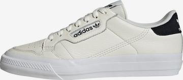 ADIDAS ORIGINALS Rövid szárú edzőcipők - fehér