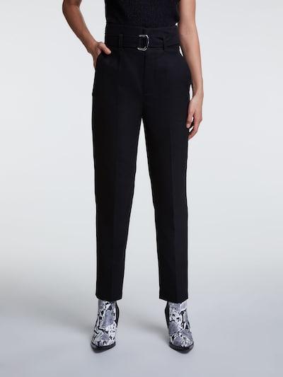 SET Bügelfaltenhose in schwarz, Modelansicht